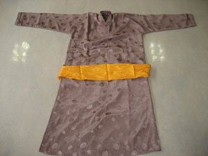 9蒙古小女孩服饰10.蒙古小女孩服饰